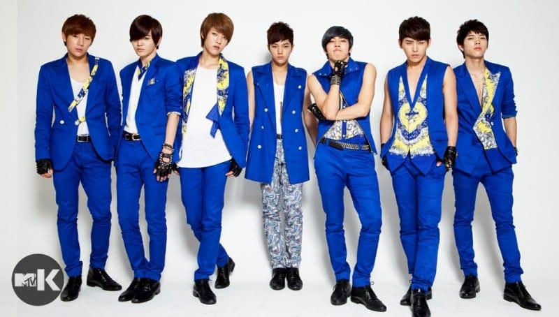 10 К-поп групп, айдолы в котором являются центром своей группы ...
