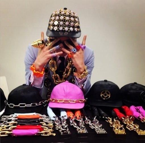 62175-g-dragon-s-private-collection-of-accessories-wow