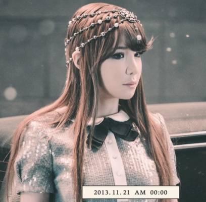 2NE1-Park-Bom_1384866507_af