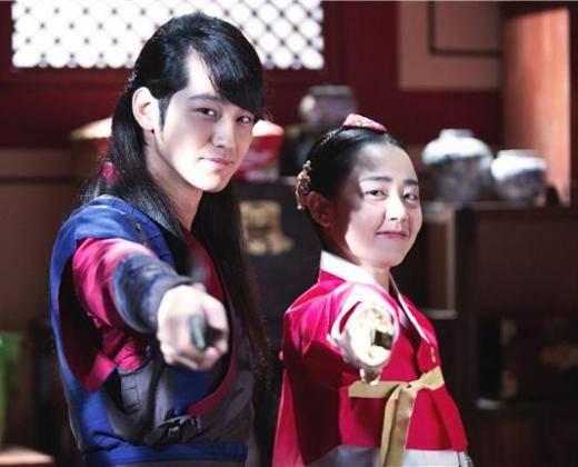 kim-bum-moon-geun-young_1383292503_af_org