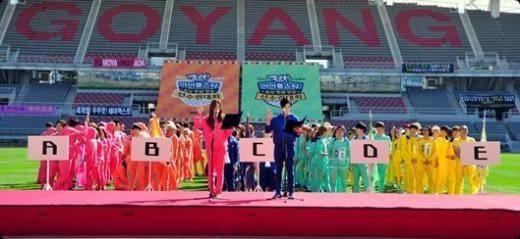 2AM-Seulong-B1A4-Baro-BAP-Bang-Yong-Guk-Youngjae-B2ST-Doojoon-Yoseob-Kikwang-Block-B-Minho--BTOB-Eunkwang-EXO-Luhan-Xiumin_1389242937_af_org