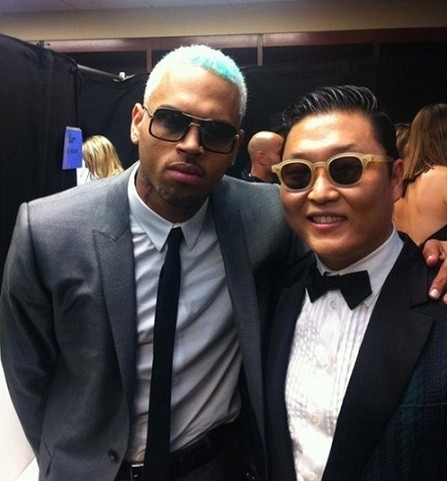 singer-psy-showed-his-friendship-with-pop-singer-chris-brown