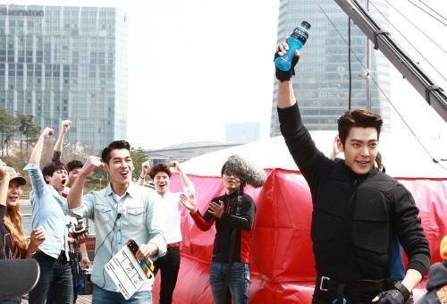 Kim-Woo-Bin-powerade-cf-bts-3