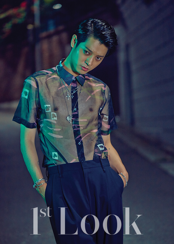 jung-joon-young-1st-look-magazine-july-2015-photoshoot (2)