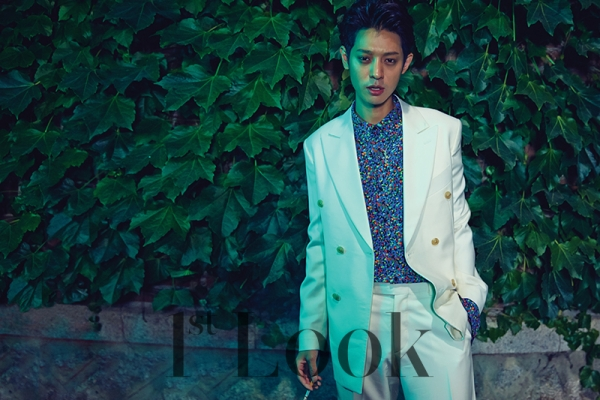 jung-joon-young-1st-look-magazine-july-2015-photoshoot (5)