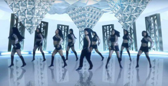 Girls-Generation_1439604313_ice_dance_2