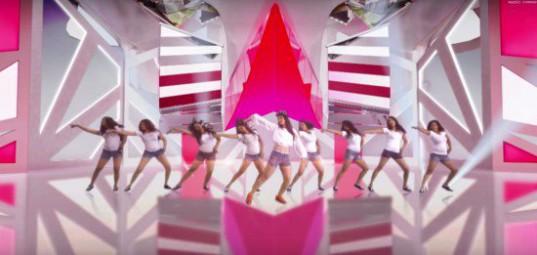 Girls-Generation_1439604337_pink_set2