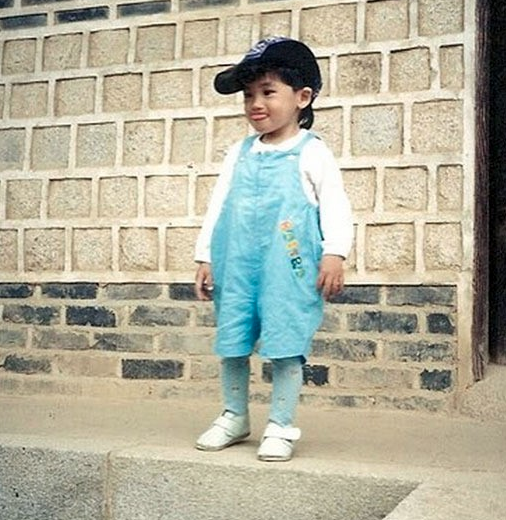Park-Hyungsik-Childhood