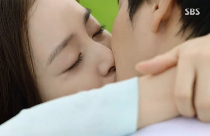 Joo Won Talks About His Kissing Scenes From Yong Pal