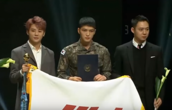 jyj-reunited-on-the-stage-of-the-2015-korean-popular-culture-and-arts-awards