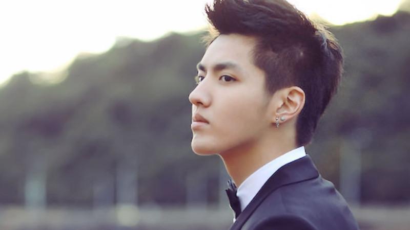 Kris (Wu Yi Fan) 25