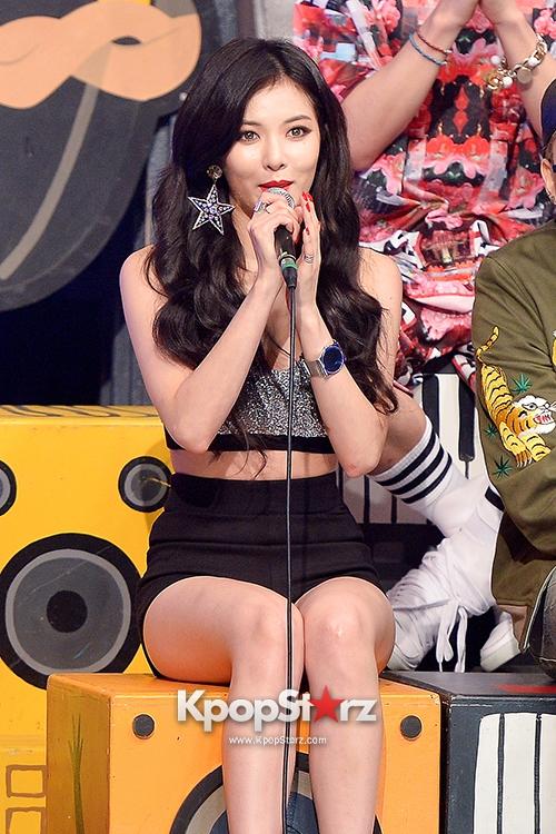 talk-cut-hyuna-block-b-at-mbc-music-show-champion