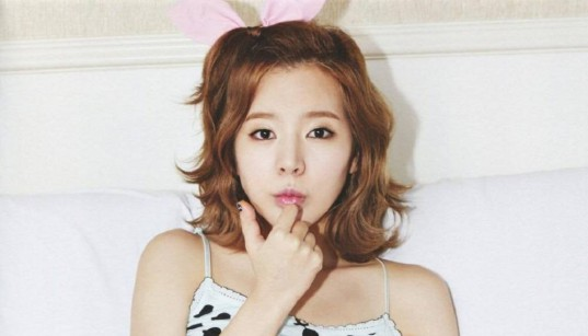 Girls-Generation-Tiffany-Sunny_1459947464_af_org