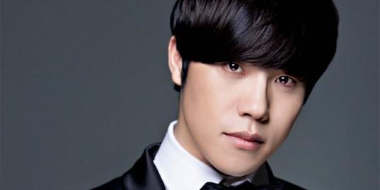 Lee-Hyun-homme_1459737250_af_org