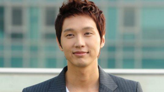 ji-hyun-woo-800x450