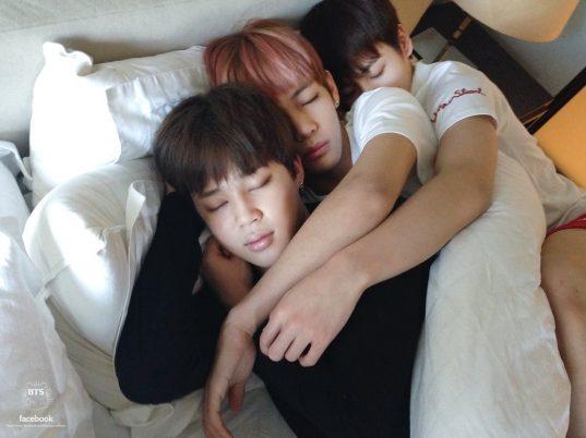 bts-cuddle
