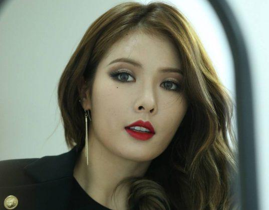 HyunA-pentagon_1468409518_af_org