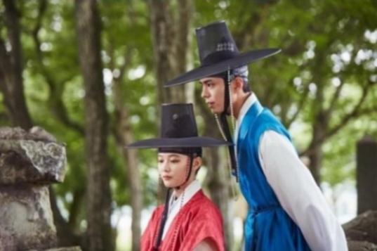 Kim-Yoo-Jung-Park-Bo-Gum-1