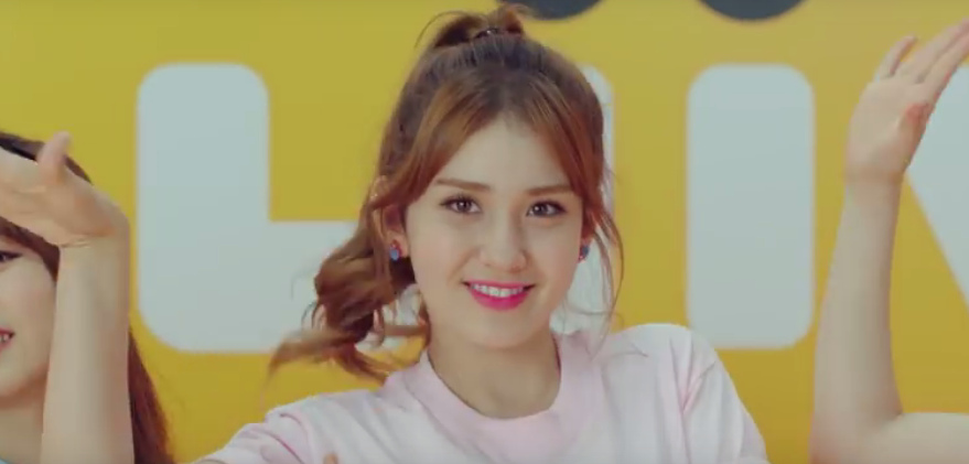 IOI do a cute song and dance of Liiv Song for KB Kookmin Bank CF allkpop