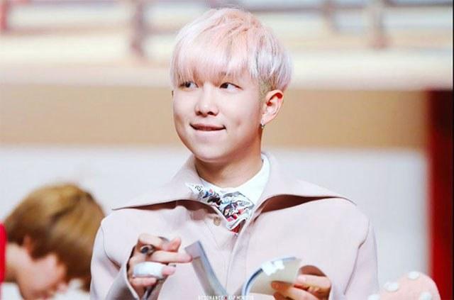 kpop-idol-pink-hair-bts-rap-monster