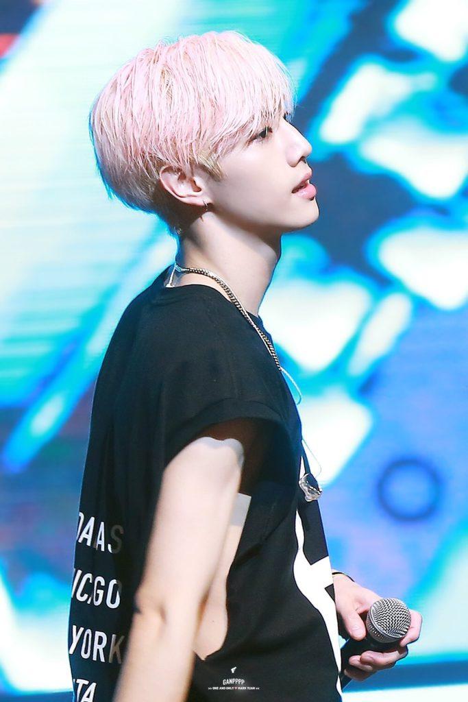 kpop-idol-pink-hair-got7-mark-683x1024