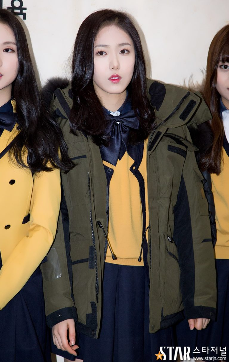 gfriend-sinb-kpop-idols-taking-college-exams-sooneung-2016-768x1211