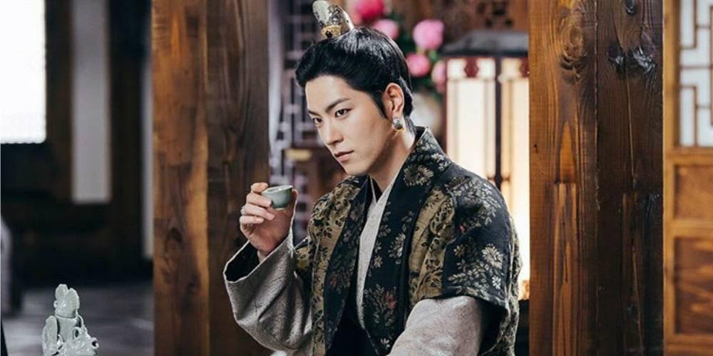 hong-jong-hyun_1478540505_af_org