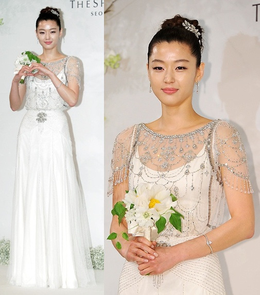 jun-ji-hyun-wedding-dress
