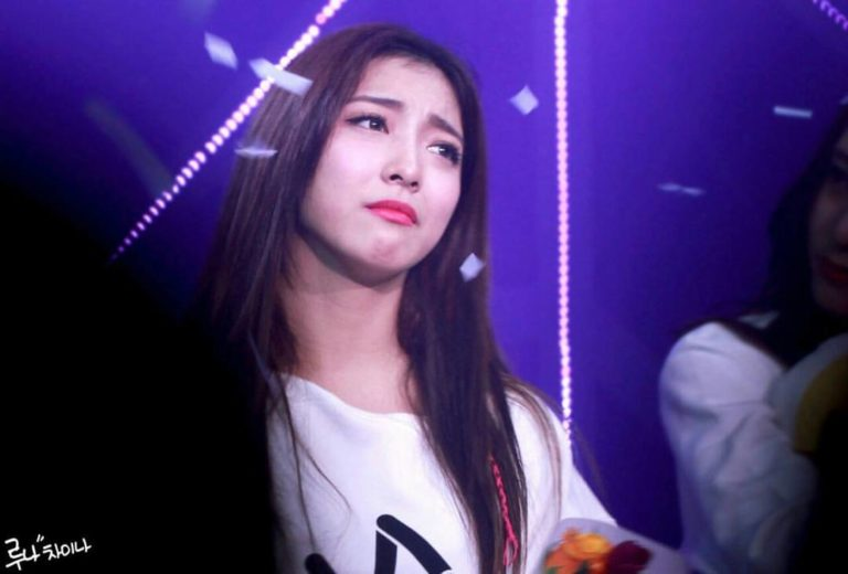 kpop-idols-crying-sad-fx-luna-768x520