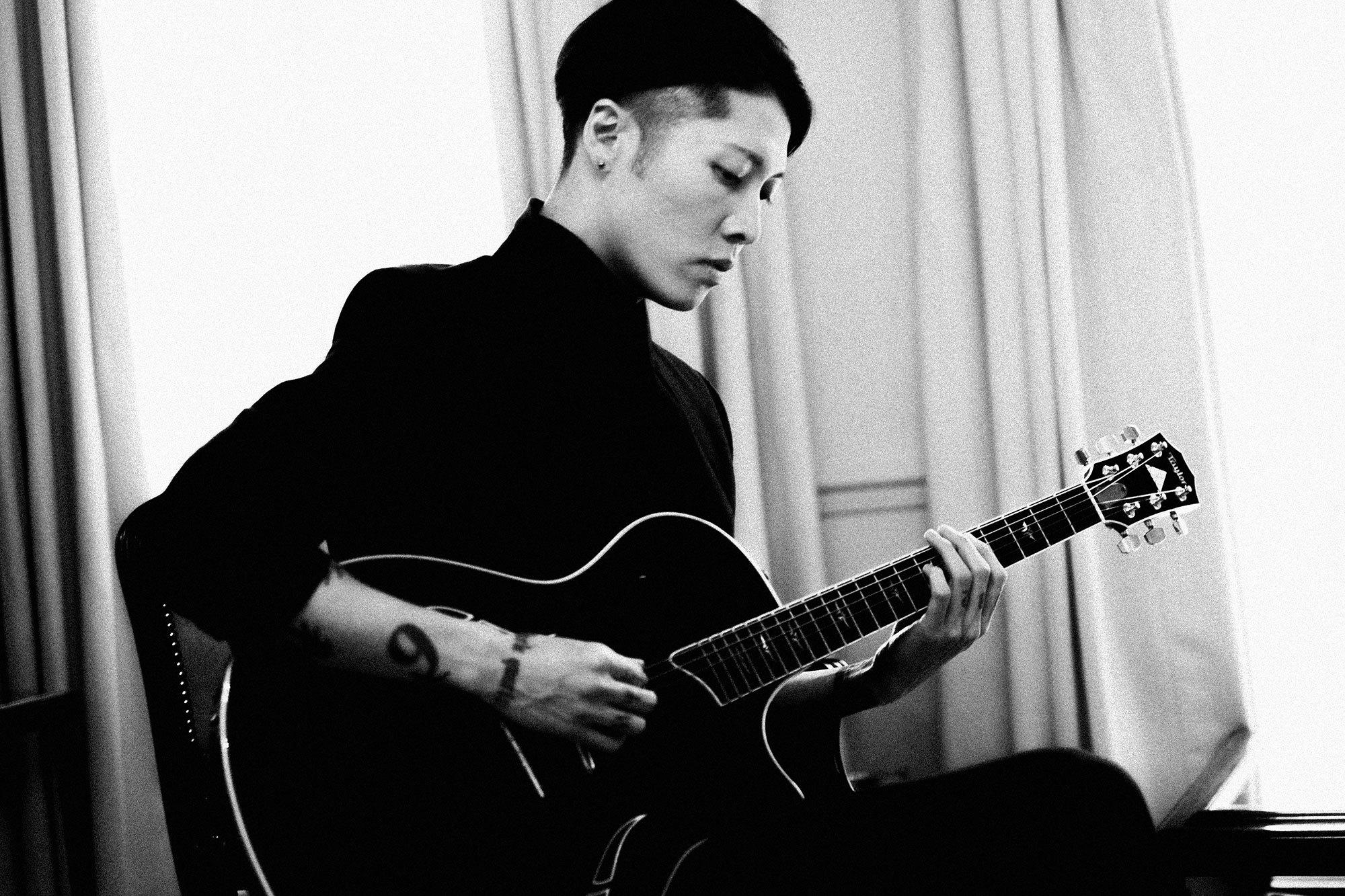 meet-miyavi-the-japanese-pop-star-turned-world-war-two-villain-in-angelina-jolies-unbroken-body-image-1419337767