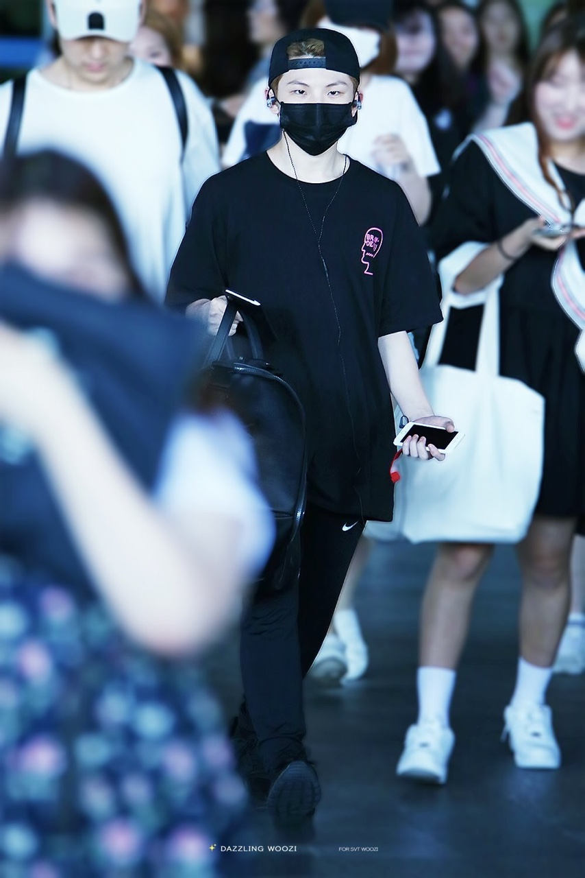 woozi-airport-fashion10