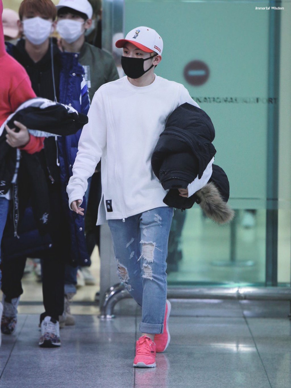 woozi-airport-fashion16