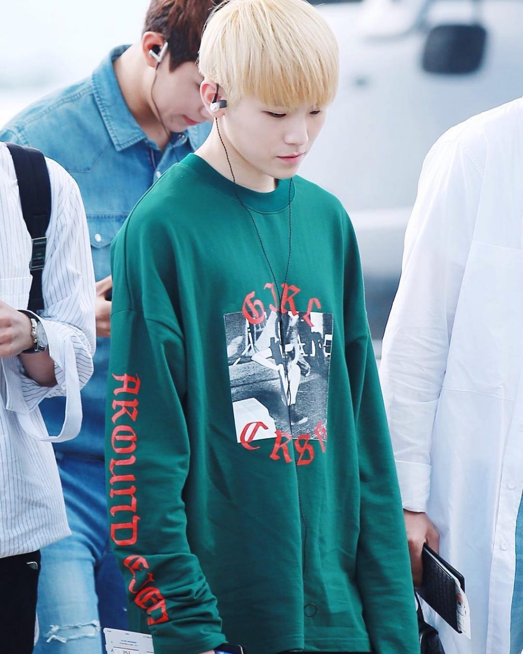 woozi-airport-fashion9